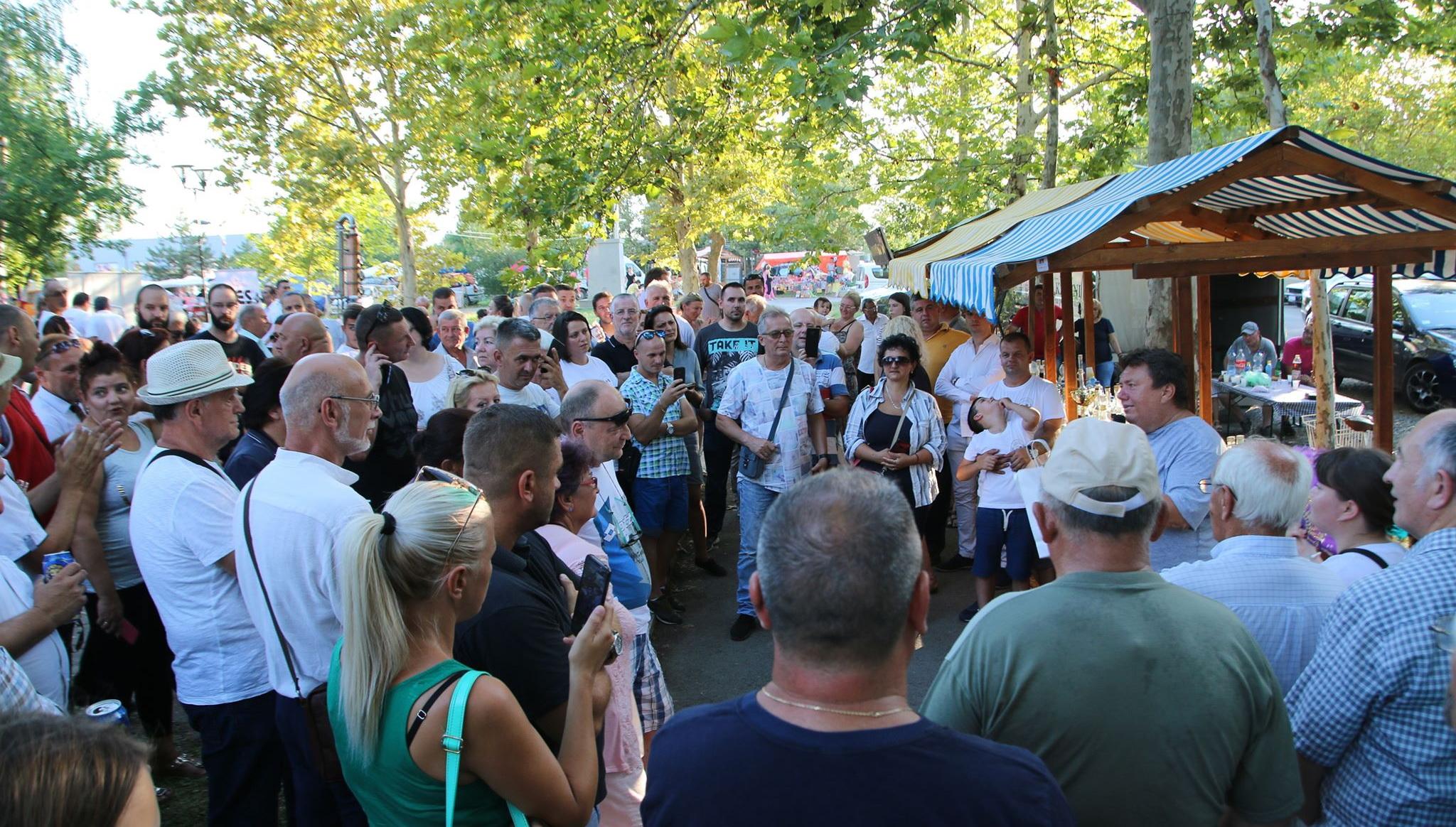 Rekordno interesovanje za 3. Festival rakije u Žitištu (FOTO)
