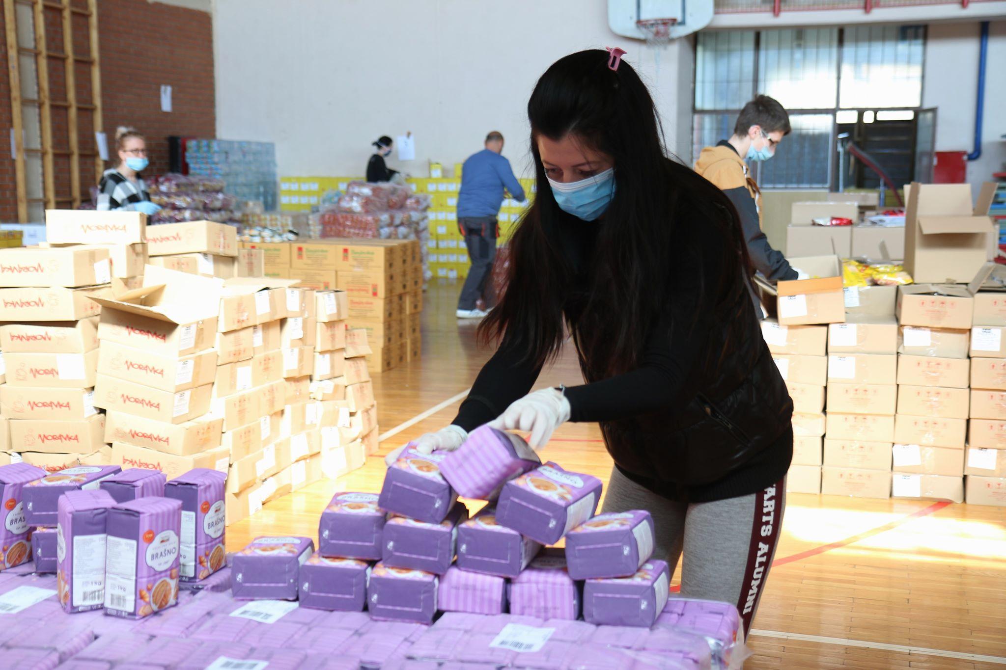 Počinje pakovanje paketa za penzionere opštine Žitište